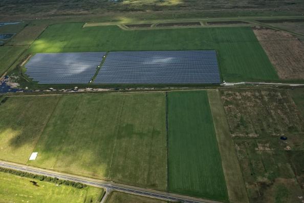 Het zonnepark op Ameland op het Amelander vliegveld